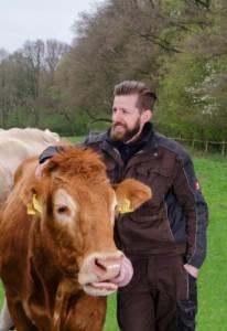 Johannes Schlemermeyer und die gute Seele der Herde - Limousin Kuh Jeal